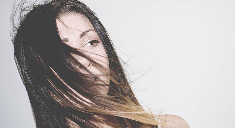 Cómo alisar tu pelo de forma natural